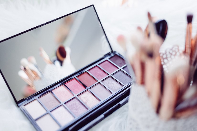 Le Festival des soldes: du make-up ourien